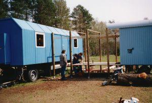Bau des Verbindungsstücks beider Bauwagen, 2004